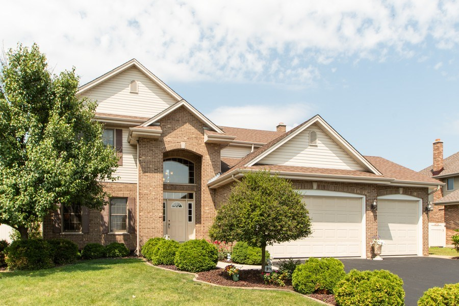 Real Estate Photography - 18284 Semmler Drive, Tinley Park, IL, 60487 - Front View