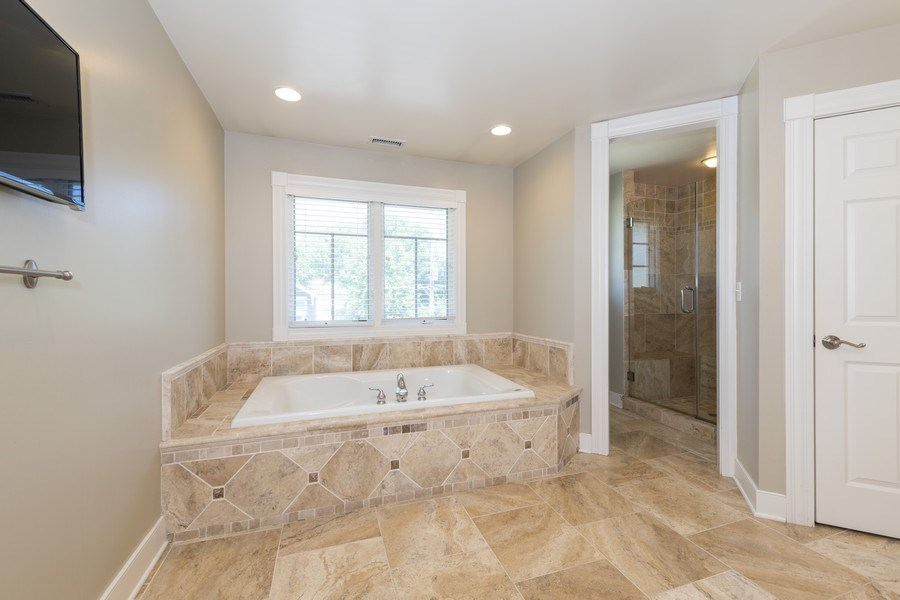 Real Estate Photography - 423 Taylor Avenue, Glen Ellyn, IL, 60137 - Master bath features separate tub & shower