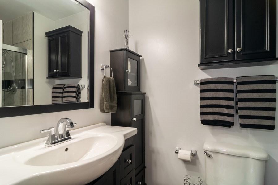 Real Estate Photography - 4105 Victoria Drive, Hoffman Estates, IL, 60192 - Master Bathroom
