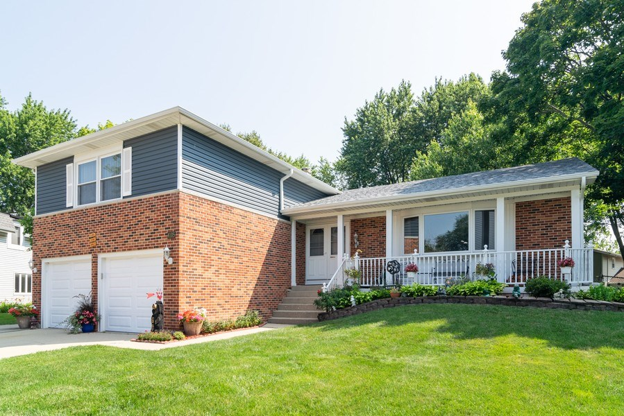 Real Estate Photography - 4105 Victoria Drive, Hoffman Estates, IL, 60192 - Front View