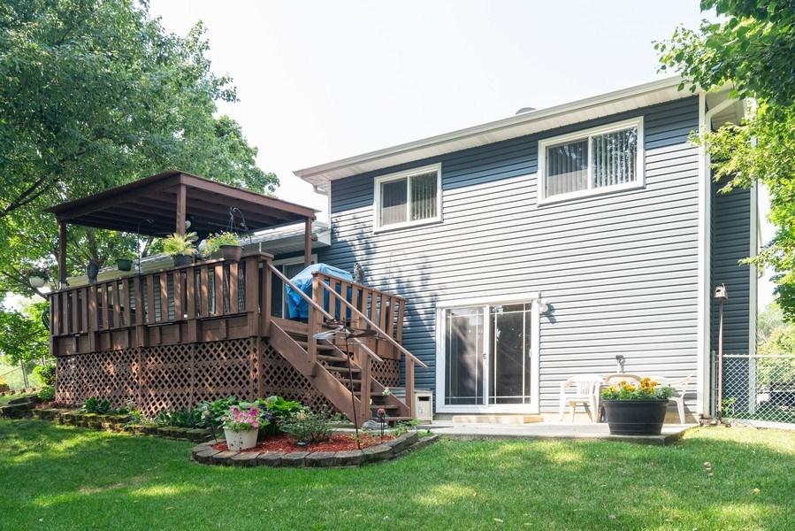 Real Estate Photography - 4105 Victoria Drive, Hoffman Estates, IL, 60192 - Rear View