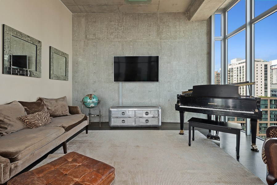 Real Estate Photography - 659 West Randolph St, 1806, Chicago, IL, 60661 - Living Room