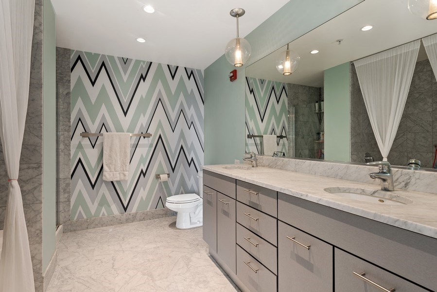 Real Estate Photography - 659 West Randolph St, 1806, Chicago, IL, 60661 - Master Bathroom