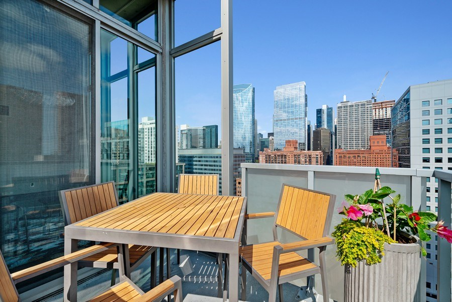 Real Estate Photography - 659 West Randolph St, 1806, Chicago, IL, 60661 - Terrace 2