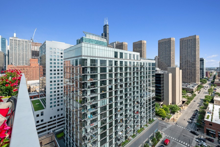 Real Estate Photography - 659 West Randolph St, 1806, Chicago, IL, 60661 - View