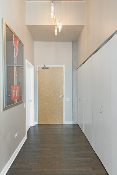 Real Estate Photography - 659 West Randolph St, 1806, Chicago, IL, 60661 - Foyer