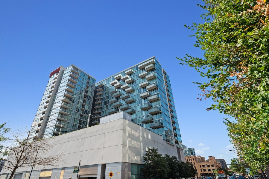 Real Estate Photography - 659 West Randolph St, 1806, Chicago, IL, 60661 - Front View