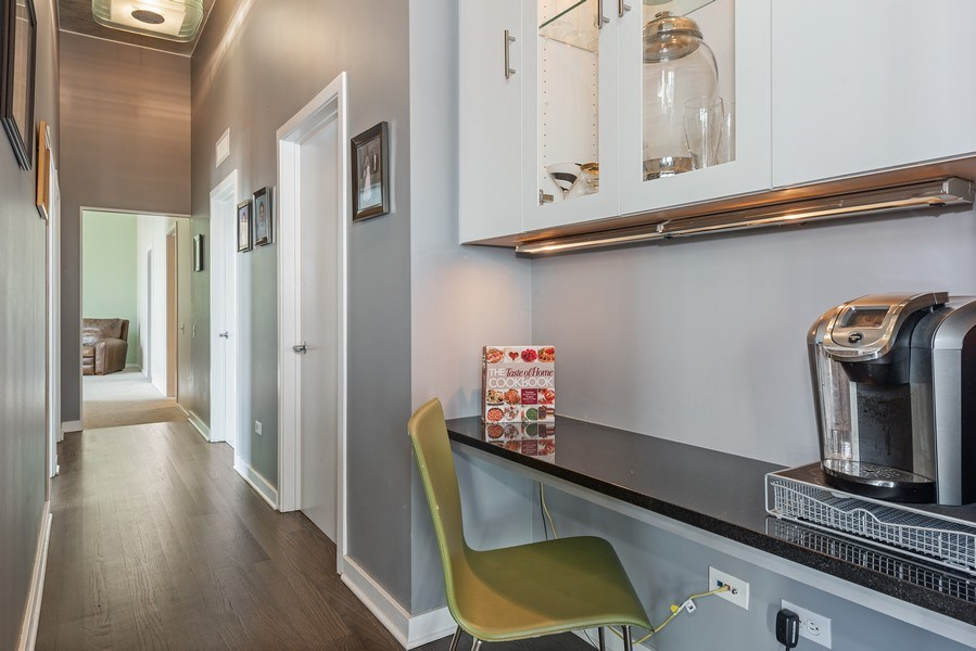 Real Estate Photography - 659 West Randolph St, 1806, Chicago, IL, 60661 - Hallway