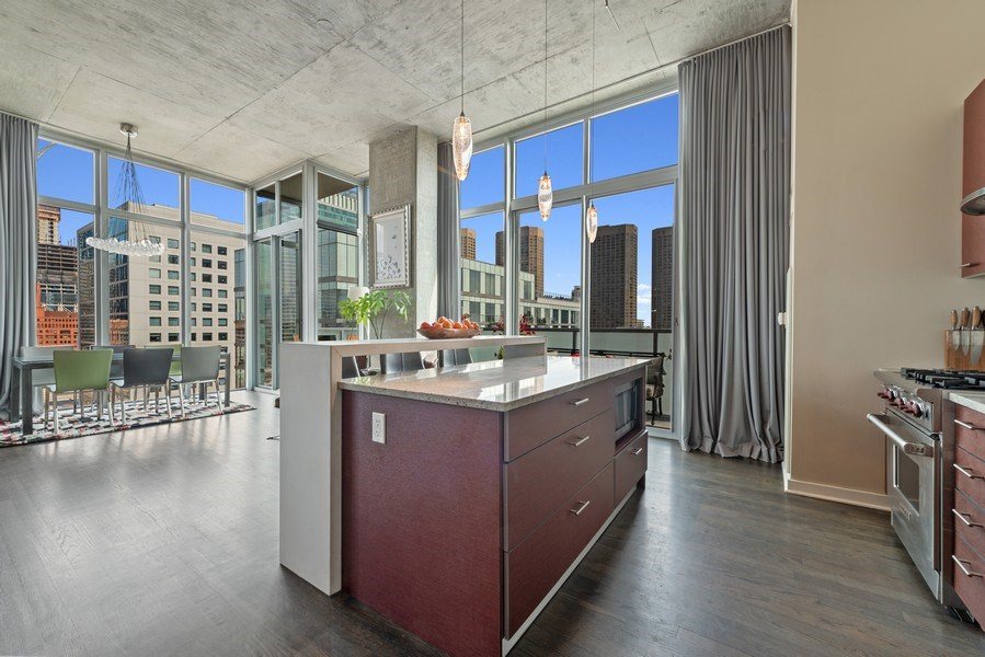 Real Estate Photography - 659 West Randolph St, 1806, Chicago, IL, 60661 - Kitchen / Dining Room