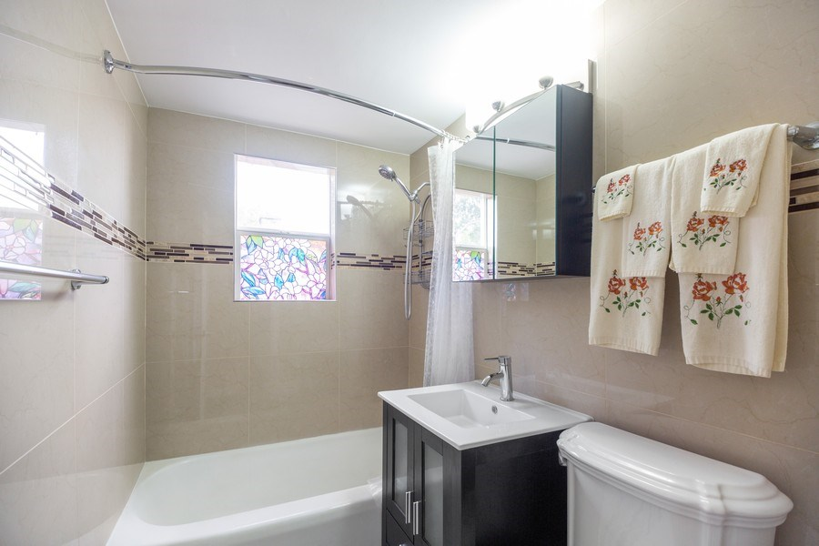 Real Estate Photography - 1326 E. Northwest Highway, Arlington Heights, IL, 60004 - Bathroom
