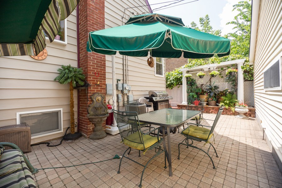 Real Estate Photography - 1326 E. Northwest Highway, Arlington Heights, IL, 60004 - Patio