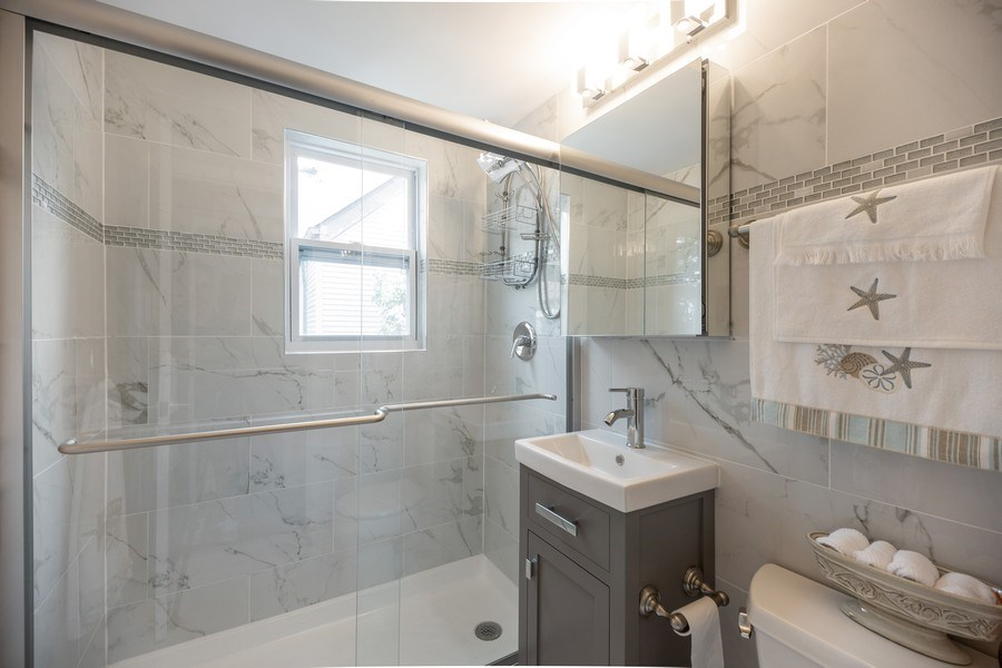 Real Estate Photography - 1326 E. Northwest Highway, Arlington Heights, IL, 60004 - 2nd Bathroom