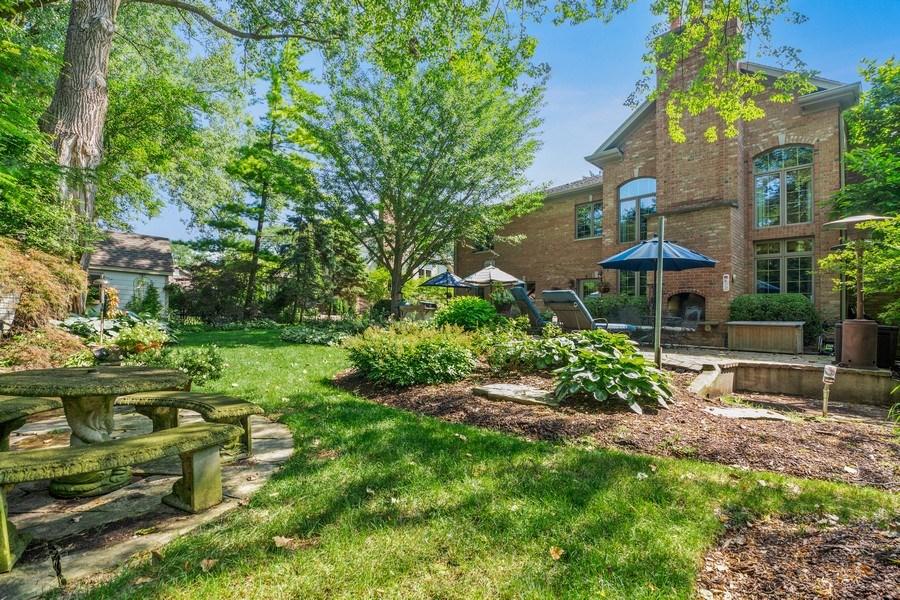 Real Estate Photography - 618 N. Scottsvale Lane, Arlington Heights, IL, 60004 - Back Yard
