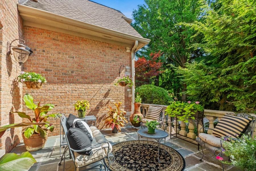 Real Estate Photography - 618 N. Scottsvale Lane, Arlington Heights, IL, 60004 - Veranda