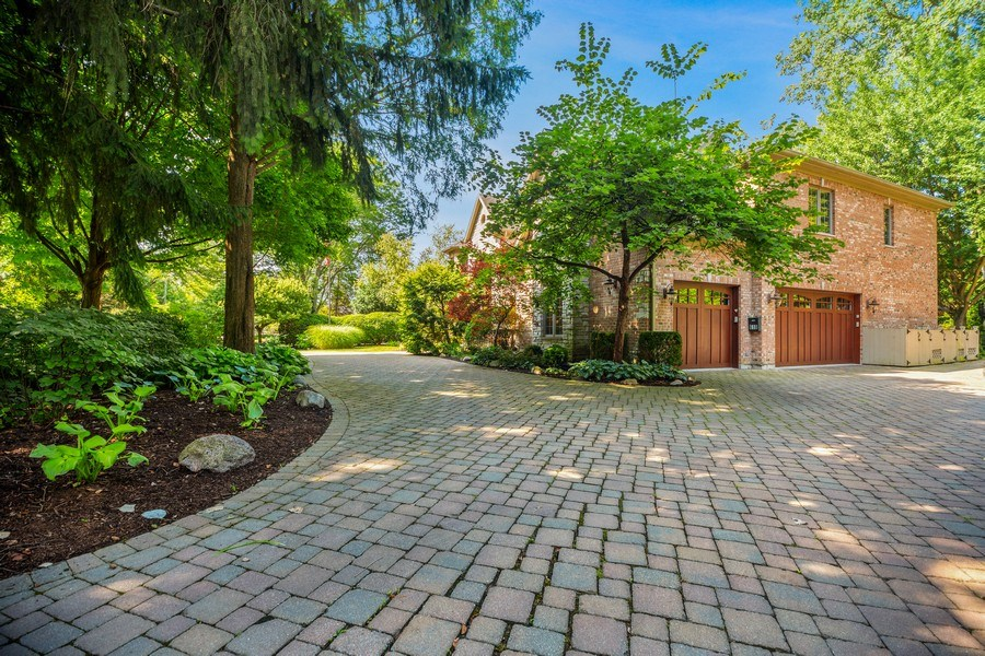 Real Estate Photography - 618 N. Scottsvale Lane, Arlington Heights, IL, 60004 - Side View