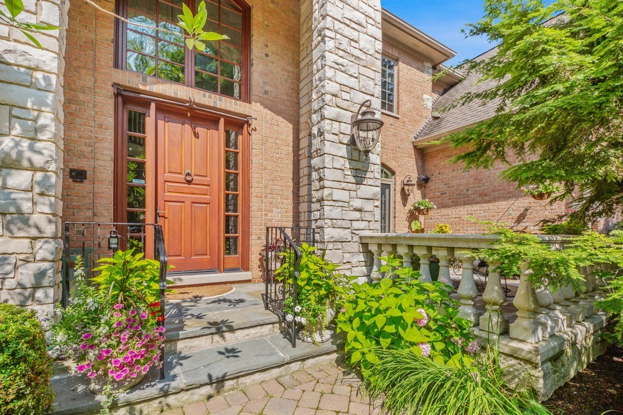 Real Estate Photography - 618 N. Scottsvale Lane, Arlington Heights, IL, 60004 - Front Entrance