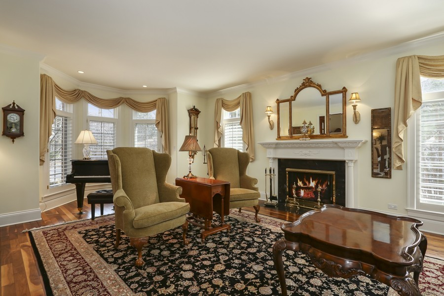 Real Estate Photography - 618 N. Scottsvale Lane, Arlington Heights, IL, 60004 - Living Room
