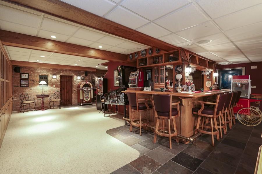 Real Estate Photography - 618 N. Scottsvale Lane, Arlington Heights, IL, 60004 - Recreation Room /Wet Bar