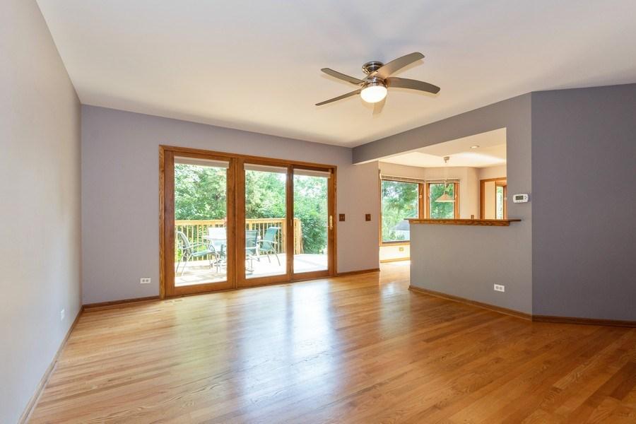 Real Estate Photography - 318 E. Sunnyside Avenue, Libertyville, IL, 60048 - Family Room