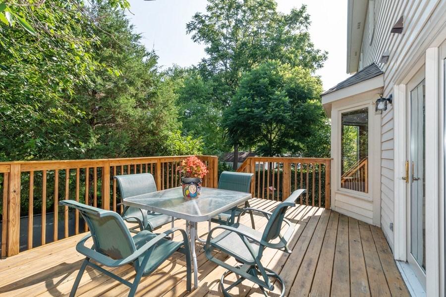 Real Estate Photography - 318 E. Sunnyside Avenue, Libertyville, IL, 60048 - Deck