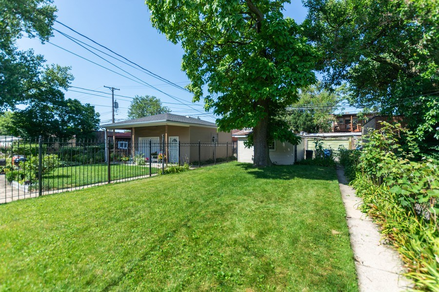 Real Estate Photography - 8018 South Calumet Ave, Chicago, IL, 60619 - Back Yard
