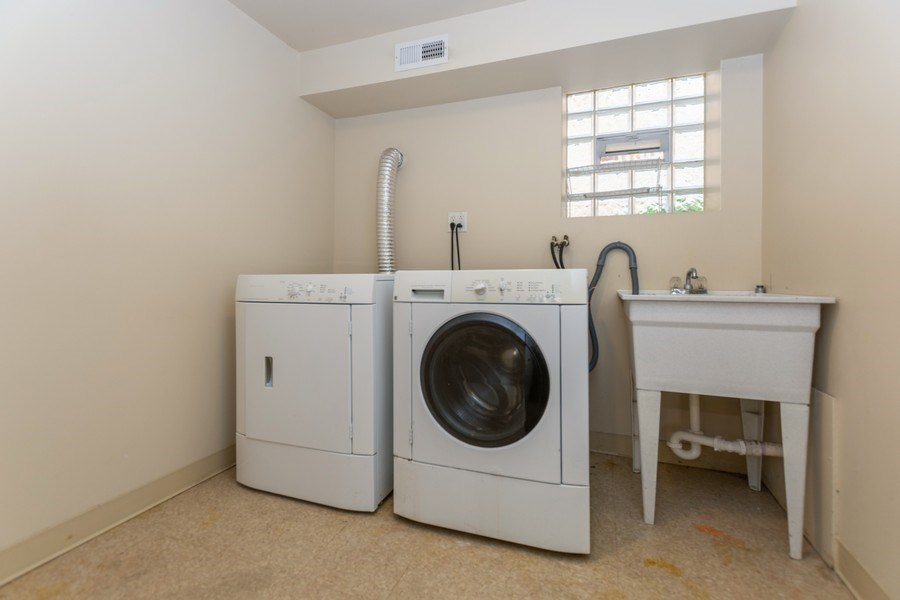 Real Estate Photography - 8018 South Calumet Ave, Chicago, IL, 60619 - Laundry Room