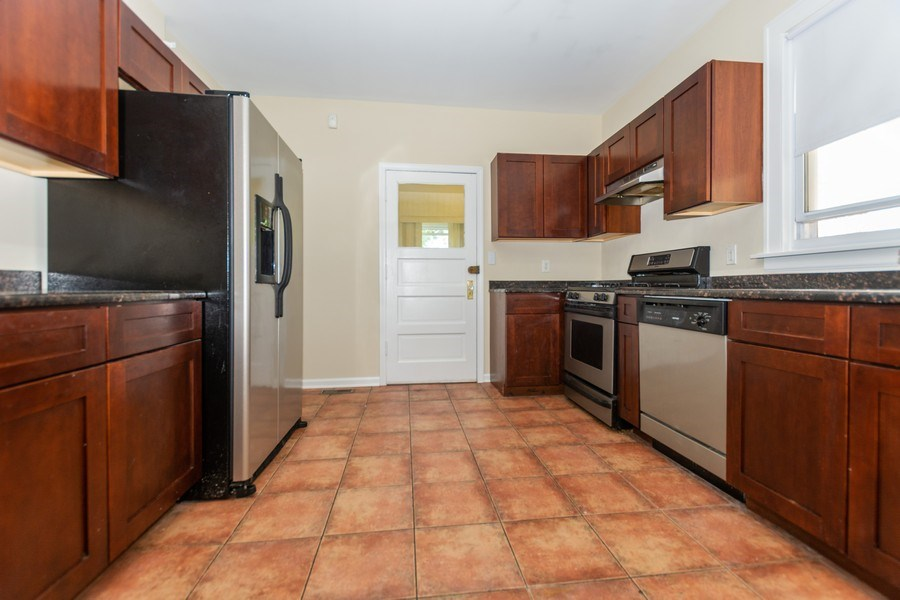 Real Estate Photography - 8018 South Calumet Ave, Chicago, IL, 60619 - Kitchen