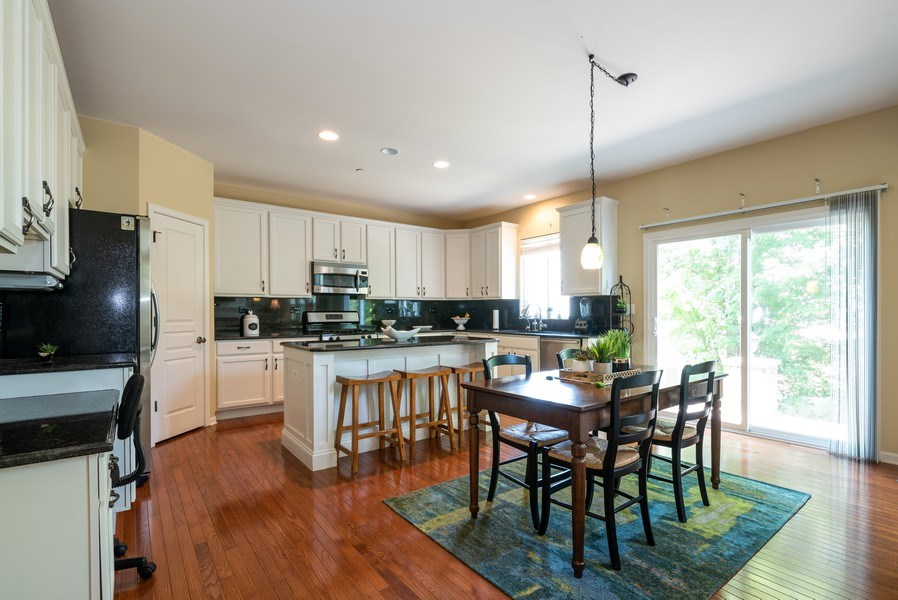 Real Estate Photography - 2662 Connolly Lane, West Dundee, IL, 60118 - Kitchen