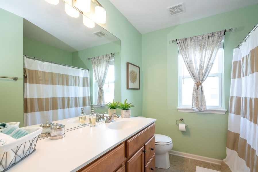 Real Estate Photography - 2662 Connolly Lane, West Dundee, IL, 60118 - 2nd Bathroom