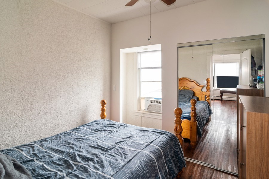 Real Estate Photography - 147 25TH Avenue, Bellwood, IL, 60104 - 2ND UNIT SECOND BEDROOM