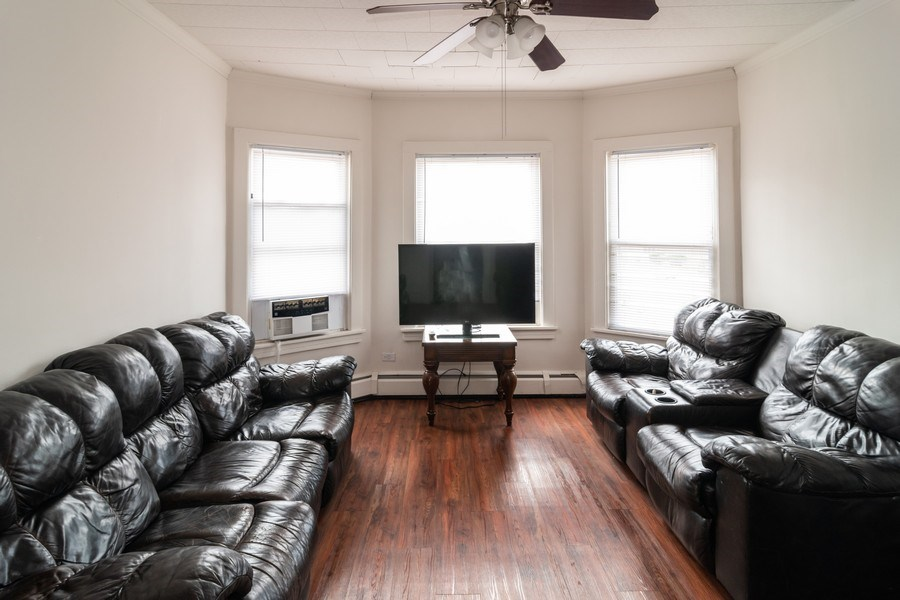 Real Estate Photography - 147 25TH Avenue, Bellwood, IL, 60104 - 2ND UNIT LIVING ROOM