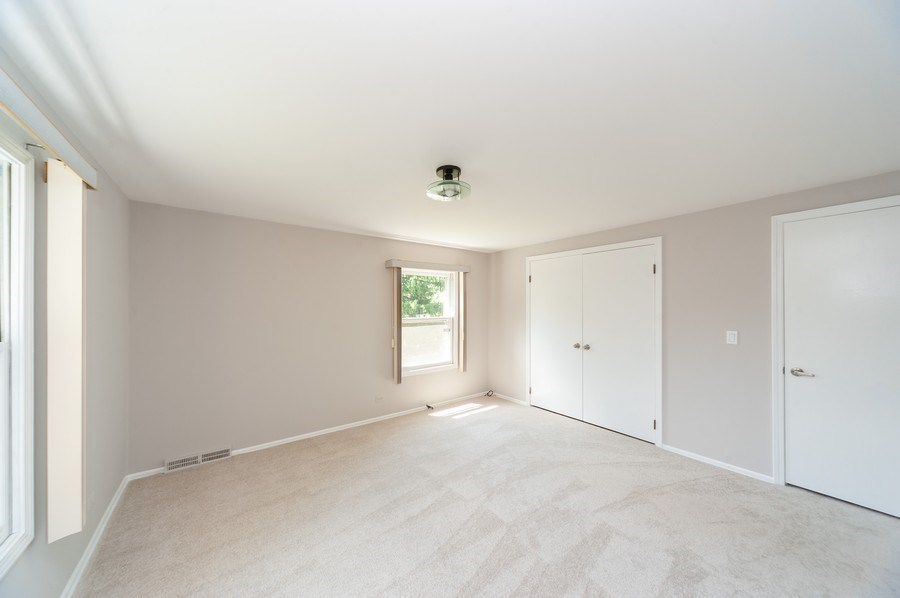 Real Estate Photography - 1051 Cobblestone Ct, Northbrook, IL, 60062 - 2nd Bedroom