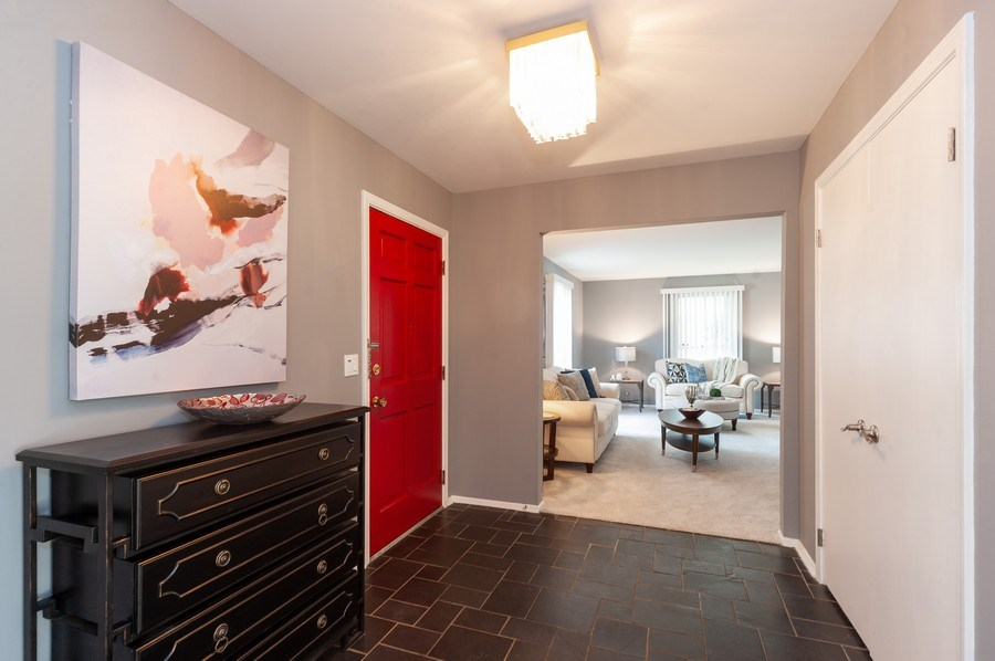 Real Estate Photography - 1051 Cobblestone Ct, Northbrook, IL, 60062 - Foyer