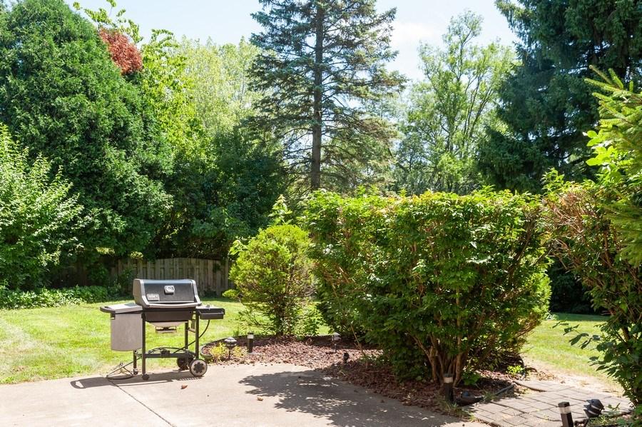 Real Estate Photography - 1051 Cobblestone Ct, Northbrook, IL, 60062 - Patio