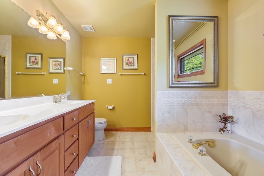 Real Estate Photography - 20231 Brendan St, Frankfort, IL, 60423 - Master Bathroom