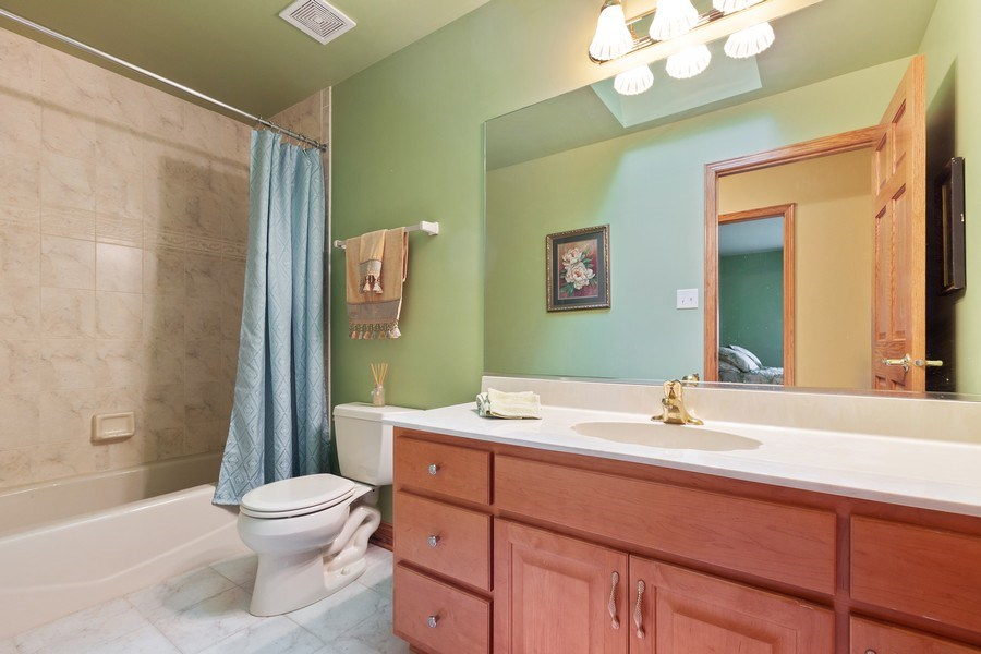Real Estate Photography - 20231 Brendan St, Frankfort, IL, 60423 - 2nd Bathroom