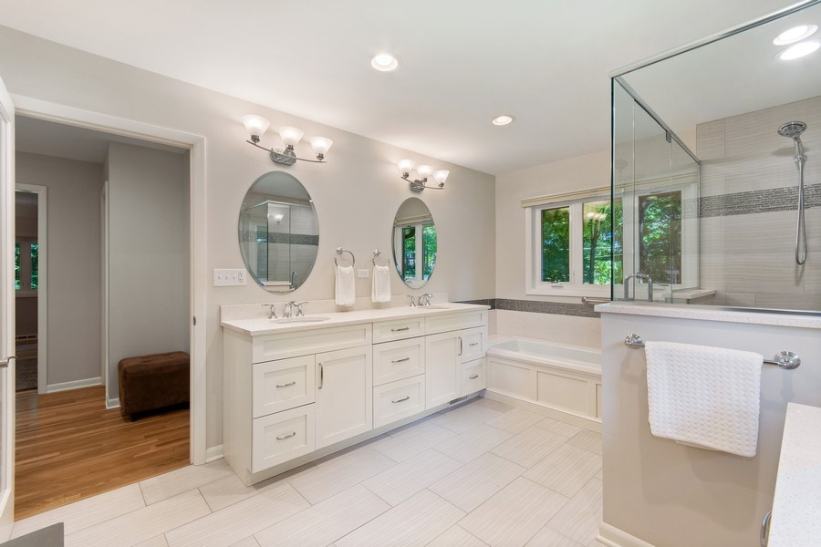 Real Estate Photography - 941 Anne Road, Naperville, IL, 60540 - Double vanities in the fabulous master bath