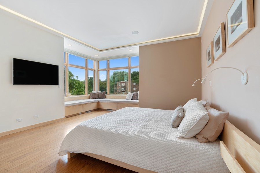 Real Estate Photography - 650 East Oakwood Blvd, Chicago, IL, 60653 - Master Bedroom