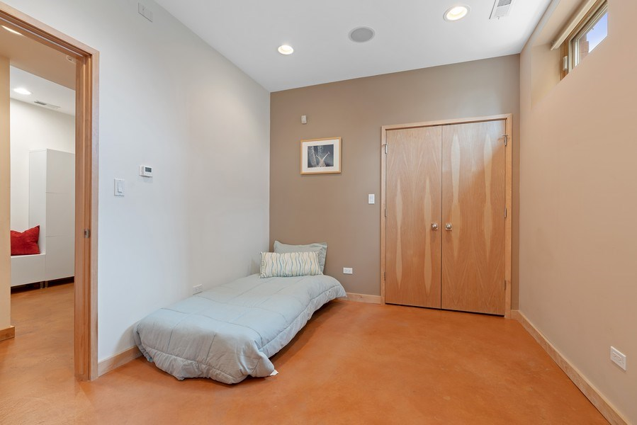 Real Estate Photography - 650 East Oakwood Blvd, Chicago, IL, 60653 - 4th Bedroom