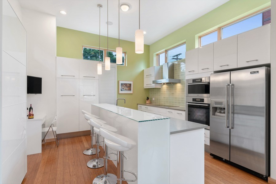 Real Estate Photography - 650 East Oakwood Blvd, Chicago, IL, 60653 - Kitchen