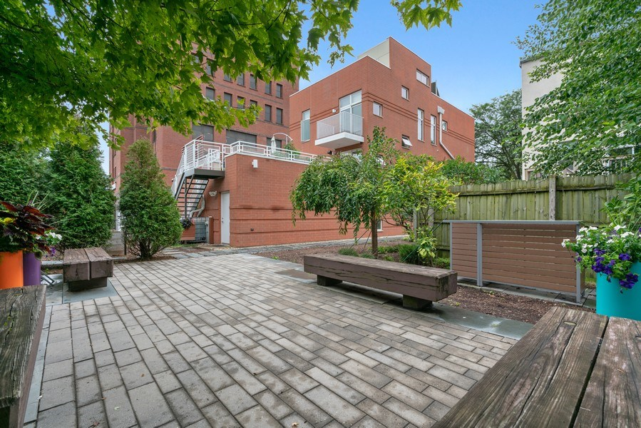 Real Estate Photography - 650 East Oakwood Blvd, Chicago, IL, 60653 - Patio