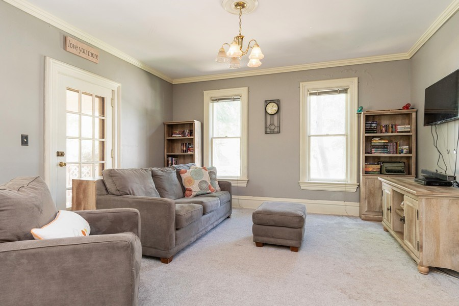 Real Estate Photography - 240 South Lincoln Ave, Aurora, IL, 60505 - Family Room