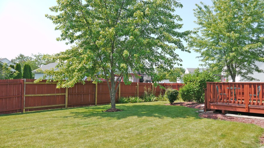 Real Estate Photography - 2000 Sunset Ct, Zion, IL, 60099 -