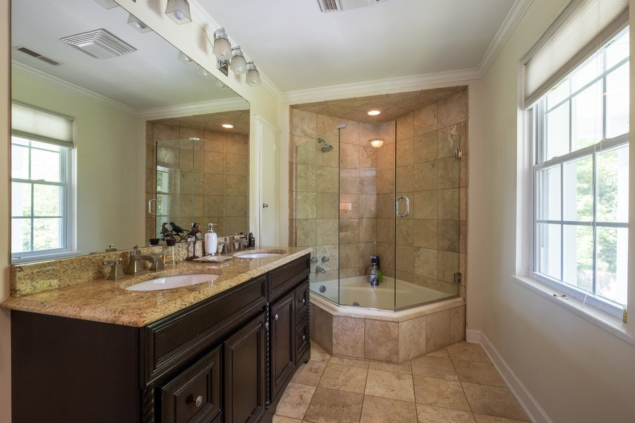 Real Estate Photography - 2600 Sheridan Road, Highland Park, IL, 60035 - Master Bathroom
