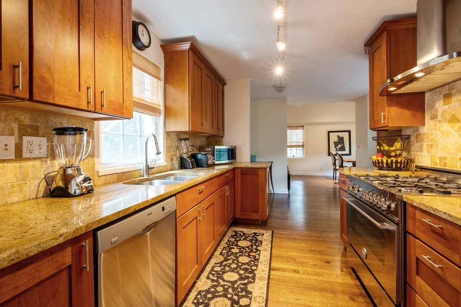 Real Estate Photography - 2600 Sheridan Road, Highland Park, IL, 60035 - Kitchen