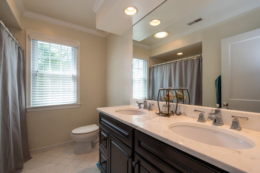 Real Estate Photography - 2600 Sheridan Road, Highland Park, IL, 60035 - 2nd Bathroom