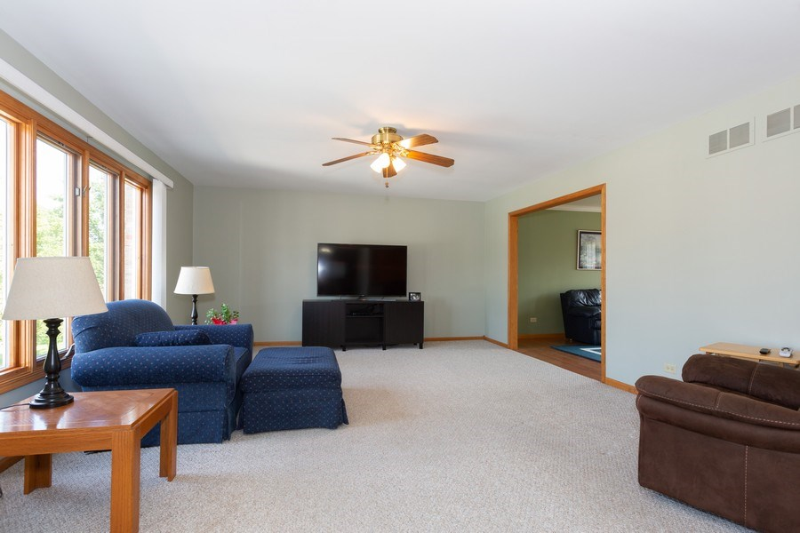 Real Estate Photography - 8712 176th Street, Tinley Park, IL, 60487 - Family Room