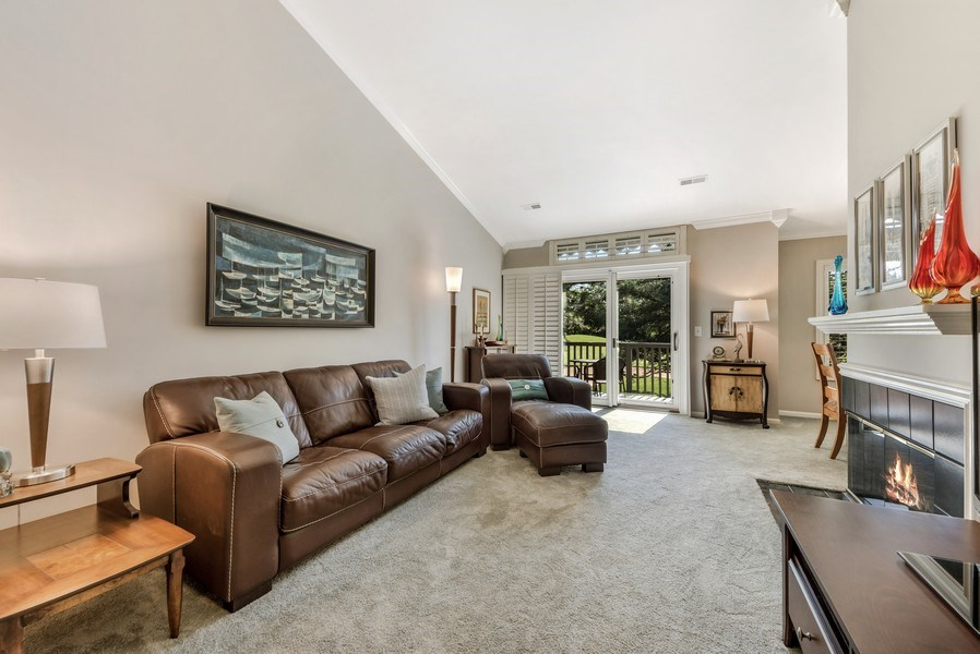 Real Estate Photography - 669 Golf Lane, Unit 669, Lake Barrington, IL, 60010 - Living Room