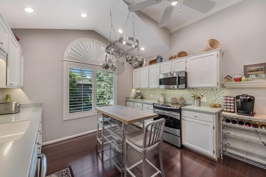 Real Estate Photography - 669 Golf Lane, Unit 669, Lake Barrington, IL, 60010 - Kitchen