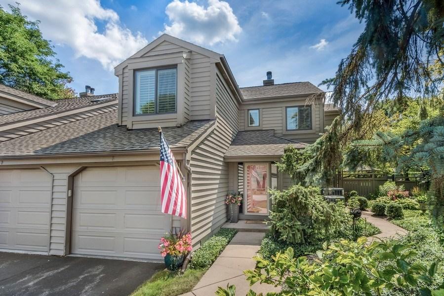Real Estate Photography - 669 Golf Lane, Unit 669, Lake Barrington, IL, 60010 - Front View